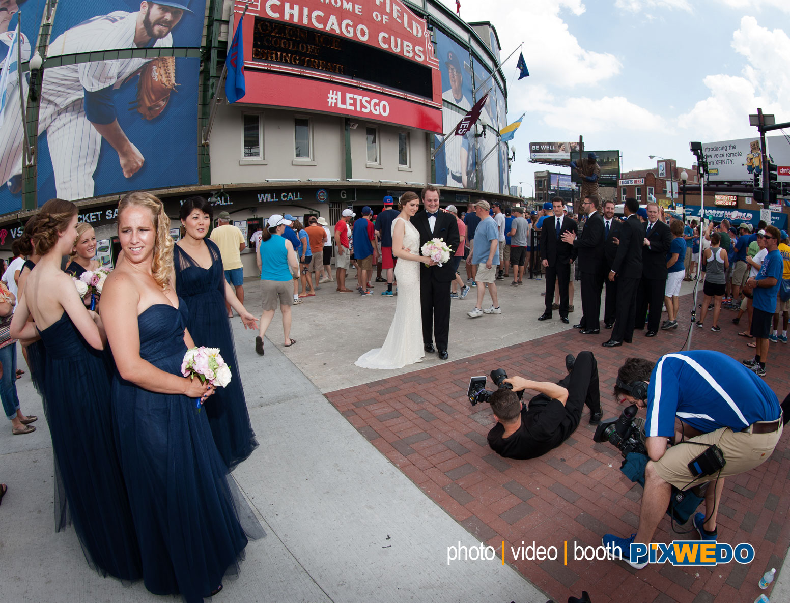 WEDDING PHOTOGRAPHY AT WRIGLEY FIELD CHICAGO