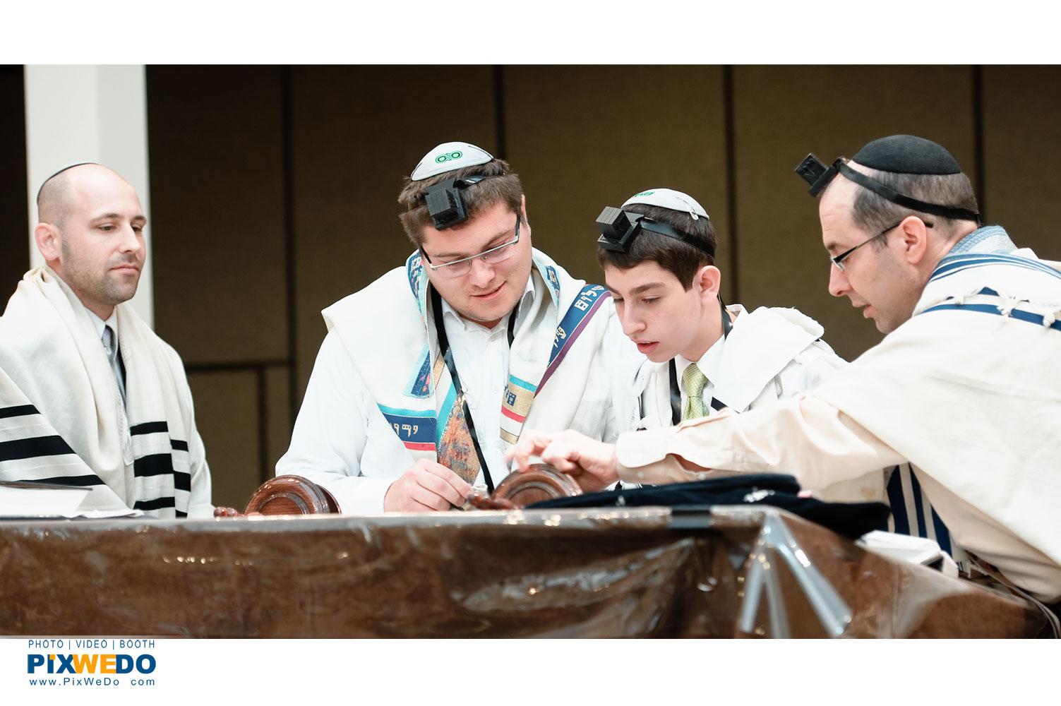 Bar Mitzvah service photography